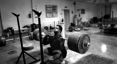Sentadilla frontal: técnica y músculos involucrados