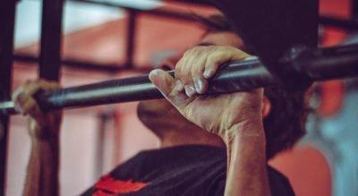 Barras de dominadas para entrenar en casa